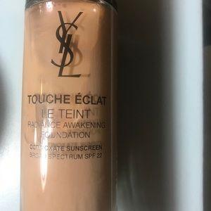 Ysl foundation